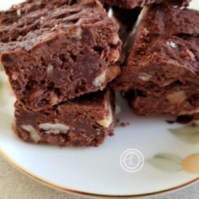 Refined Sugar-Free Holiday Fudge on a Plate